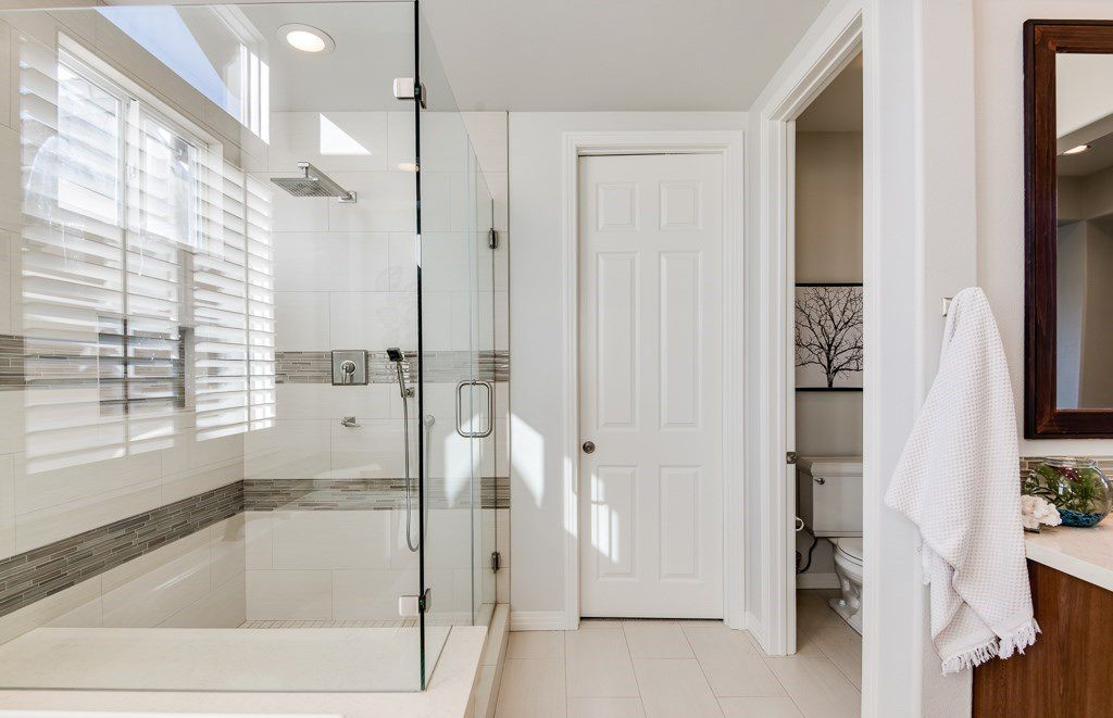 Custom Frameless Glass Shower Doors Laguna Niguel - (949) 495-9511